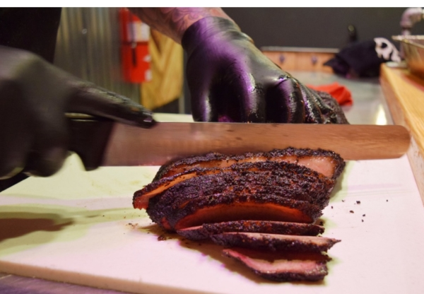 New BBQ Restaurant Opens in Chicago Suburbs